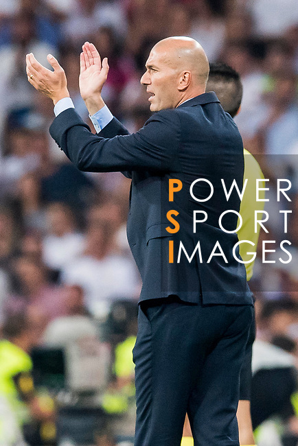 Coach Zinedine Zidane of Real Madrid reacts during their Supercopa de Espana Final 2nd Leg match between Real Madrid and FC Barcelona at the Estadio Santiago Bernabeu on 16 August 2017 in Madrid, Spain. Photo by Diego Gonzalez Souto / Power Sport Images
