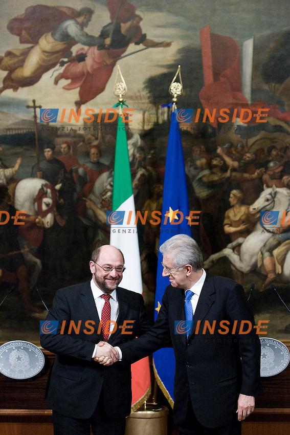 Martin Schulz e Mario Monti.Roma 23/02/2012 Incontro tra il Presidente del Consiglio Italiano e il Presidente del Parlamento Europeo a Palazzo Chigi.Foto Insidefoto Serena Cremaschi
