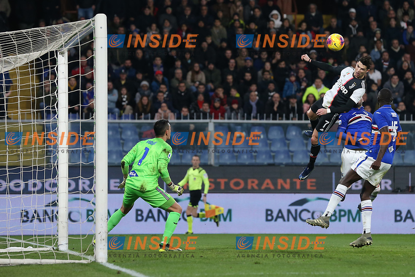 Cristiano Ronaldo of Juventus climbs above the Sampdoria defence to head the side into a 2-1lead during the Serie A match at Luigi Ferraris, Genoa. Picture date: 18th December 2019. Picture credit should read: Jonathan Moscrop/Sportimage PUBLICATIONxNOTxINxUK SPI-0378-0011<br /> Sampdoria - Juventus  <br /> Photo Jonathan Moscrop / Sportimage / Imago / Insidefoto