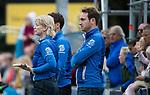 UTRECHT - manager Marielle de Vuijst-Hoogendoorn (Kampong) met rechts assistent coach Steven van Tijn (Kampong)   tijdens de hockey hoofdklasse competitiewedstrijd dames:  Kampong-Laren (2-2). COPYRIGHT KOEN SUYK