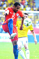 BARRANQUILLA - COLOMBIA -11-10-2016: Jean Beausejour jugador de Chile en acción durante partido entre Colombia y Chile por la fecha 11 de la clasificatoria a la Copa Mundial de la FIFA Rusia 2018 jugado en el estadio Metropolitano Roberto Melendez en Barranquilla./ Jean Beausejour player of Chile in action during the match between Colombia and Chile for the date 11 of the qualifier to FIFA World Cup Russia 2018 played at Metropolitan stadium Roberto Melendez in Barranquilla. Photo: VizzorImage / Alfonso Cervantes / Cont