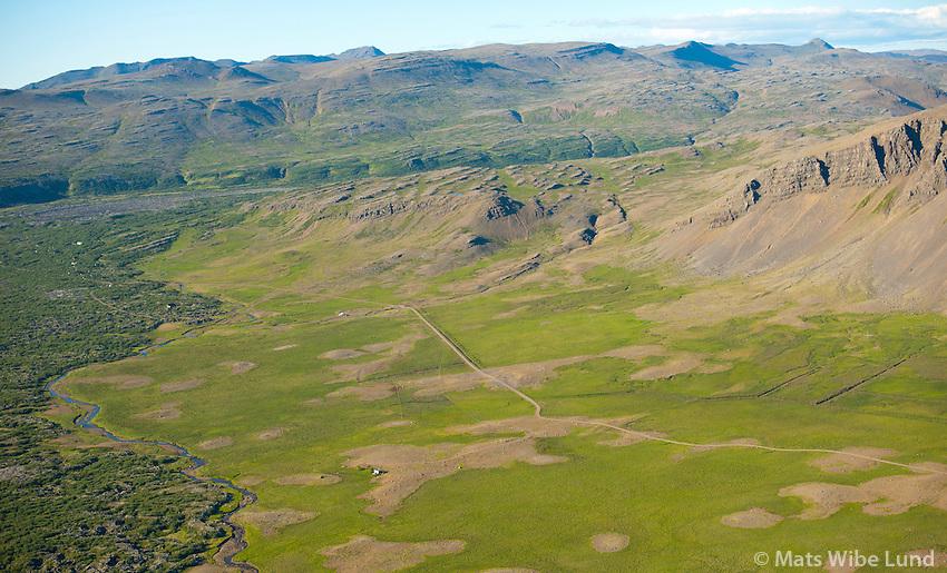 Eyðijörð: Syðri-Hraundalur séð til norðvesturs, Borgarbyggð áður Álftaneshreppur /  Deserted farmsite: Sydri-Hraundalur viewing northwest, Borgarbyggd former Alftaneshreppur.
