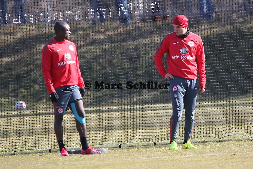 Constant Djakpa und Aleksandar Ignjovski (Eintracht) im Reha-Training - Eintracht Frankfurt Training, Commerzbank Arena