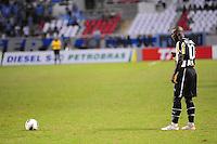 RIO DE JANEIRO, RJ, 22 DE JULHO 2012 - CAMPEONATO BRASILEIRO - BOTAFOGO X GRÊMIO - Seedorf, jogador do Botafogo, durante partida contra o Grêmio, pela 11a rodada do campeonato Brasileiro, no Stadium Rio (Engenhao), na cidade do Rio de Janeiro, neste domingo, 22. FOTO BRUNO TURANO  BRAZIL PHOTO PRESS