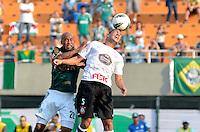 ATENÇÃO EDITOR: FOTO EMBARGADA PARA VEÍCULOS INTERNACIONAIS - SÃO PAULO, SP, 16 DE SETEMBRO DE 2012 - CAMPEONATO BRASILEIRO - PALMEIRAS x CORINTHIANS: Ralf (d) e Marcos Assunção (e) durante partida Palmeiras x Corinthians, válida pela 25ª rodada do Campeonato Brasileiro no Estádio do Pacaembú. FOTO: LEVI BIANCO - BRAZIL PHOTO PRESS
