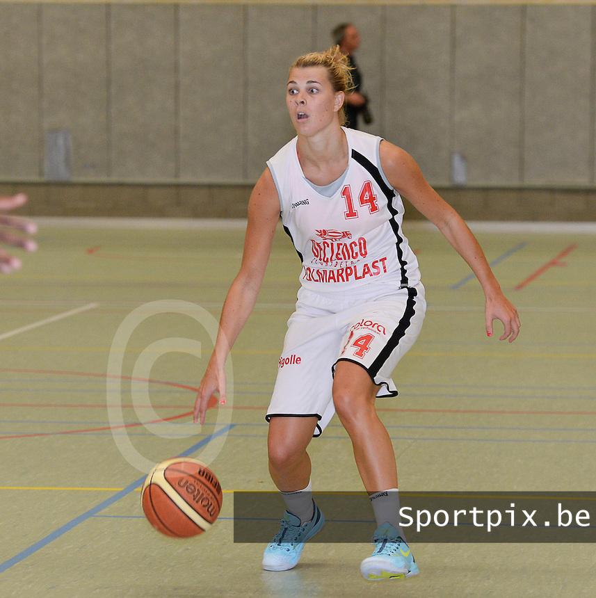 DBC Waregem : Sien Devliegher <br /> foto VDB / BART VANDENBROUCKE