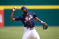 Binghamton Mets shortstop Amed Rosario (1) warmup throw to first during a game against the Richmond Flying Squirrels on June 26, 2016 at NYSEG Stadium in Binghamton, New York.  Binghamton defeated Richmond 7-2.  (Mike Janes/Four Seam Images)