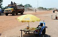 OUTH SUDAN  Bahr al Ghazal region , Lakes State, town Cuibet, traffic, MTN booth / SUED-SUDAN  Bahr el Ghazal region , Lakes State, Cuibet, Strassenverkehr