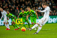 Gylfi Sigurdsson of Swansea scores from the penalty spot for the Swans during the Barclays Premier League match between Swansea City and Sunderland played at the Liberty Stadium, Swansea  on  January the 13th 2016
