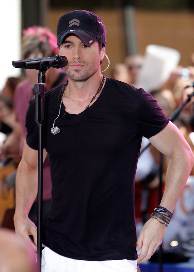"NEW YORK - JULY 16:  Enrique Iglesias performs on NBC's ""Today"" at Rockefeller Center on July 16, 2010 in New York City.  (Photo by Soul Brother/FilmMagic)"