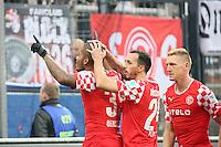 Charlie Benschop (Fortuna) erzielt das 0:2 und jubelt mit Mannschaft und Fans - FSV Frankfurt vs. Fortuna Düsseldorf, Frankfurter Volksbank Stadion