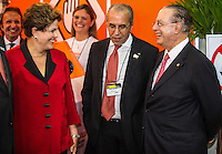 ATENCAO EDITOR IMAGEM EMBARGADA PARA VEICULOS INTERNACIONAIS -   SAO PAULO, SP, 24 OUTUBRO 2012 - SALAO INTERNACIONAL DO AUTOMOVEL - A presidente Dilma Rousseff (E) e o deputado federal Paulo Maluf, durante visita ao 27 Salao Internacional do Automovel no Anhembi na regiao norte da capital paulista, nesta quarta-feira, 24. (FOTO: WILLIAM VOLCOV / BRAZIL PHOTO PRESS).