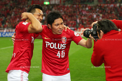 (L to R) Tomoaki Makino (Reds), Ryota Moriwaki (Reds), .March 9, 2013 - Football / Soccer : .2013 J.LEAGUE Division 1, 2nd Sec .match between Urawa Reds 1-0 Nagoya Grampus .at Saitama Stadium 2002, Saitamai, Japan. .(Photo by Daiju Kitamura/AFLO SPORT) [1045]