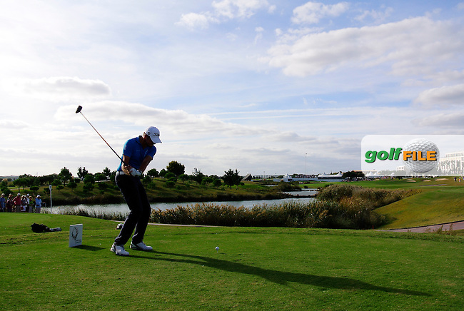 Simon Thornton (IRL) tees off the 18th tee during Saturday's Round 3 of the 2013 Portugal Masters held at the Oceanico Victoria Golf Club. 12th October 2013.<br /> Picture: Eoin Clarke www.golffile.ie