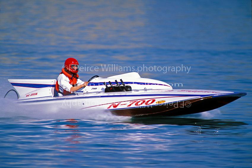 "N-700 ""Miss Sapphire"", (1961 Lauterbach 225 class hydroplane)Detroit 1996"