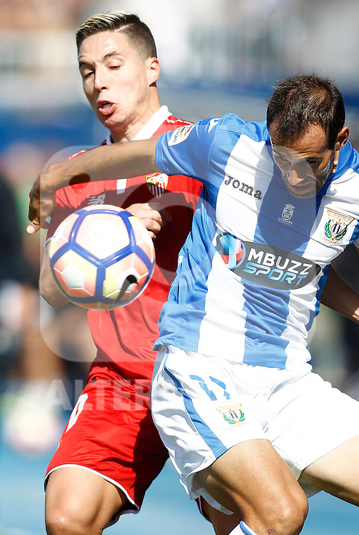 CD Leganes' Victor Diaz (r) and Sevilla FC's Samir Nasri during La Liga match. October 15,2016. (ALTERPHOTOS/Acero)