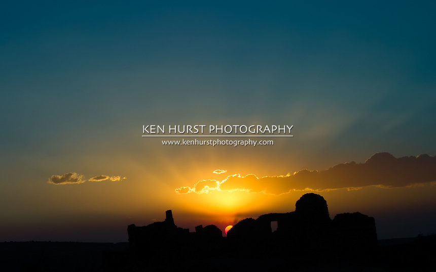 Sunset on Pueblo de Arroyo, built by the ancestral puebloan people who inhabited Chaco Culture National Historical Park over 800 years ago.