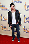 UNIVERSAL CITY, CA. - May 31: Actor Taylor Lautner arrives at the 2009 MTV Movie Awards held at the Gibson Amphitheatre on May 31, 2009 in Universal City, California.