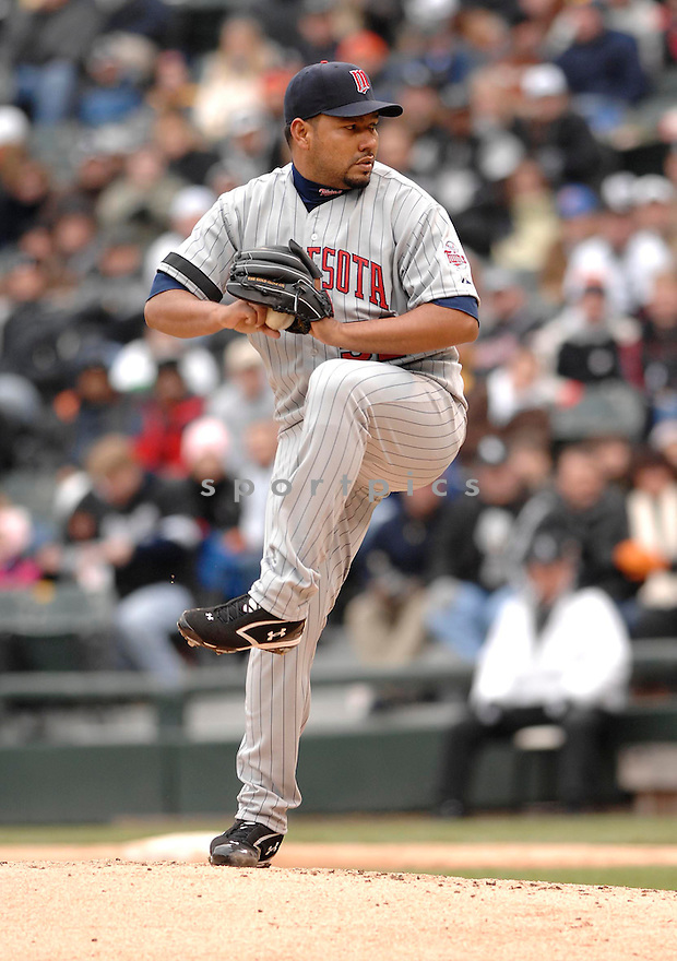 CARLOS SILVA, of the Minnesota Twins during their game against the Chicago White Sox, on April 7, 2007 in Chicago, IL. ..White Sox  win 3-0....DAVID DUROCHIK / SPORTPICS