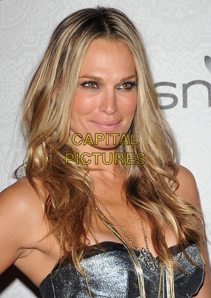 "MOLLY SIMS.Art of Elysium 3rd Annual Black Tie charity gala '""Heaven"" held at 990 Wilshire Blvd in Beverly Hills, California, USA, .January 16th 2010 .headshot portrait silver gold necklace bustier straps chain strapless .CAP/RKE/DVS .©DVS/RockinExposures/Capital Pictures"