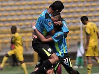 BOGOTA - COLOMBIA -12 -03-2016: Jean Blanco, jugador de La Equidad, celebra el gol anotado a Alianza Petrolera, durante partido entre La Equidad y Alianza Petrolera, por la fecha 9 de la Liga Aguila I-2016, jugado en el estadio Metropolitano de Techo de la ciudad de Bogota. / Jean Blanco, player of La Equidad celebrates a scored goal to Alianza Petrolera,  during a match La Equidad and Alianza Petrolera, for the  date 9 of the Liga Aguila I-2016 at the Metropolitano de Techo Stadium in Bogota city, Photo: VizzorImage  / Luis Ramirez / Staff.