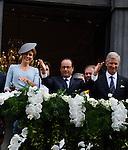 Monsieur Fran&ccedil;ois Hollande et S.A.R. La Reine Mathilde et le Roi PHilippe saluent le public depuis le balcon de l'H&ocirc;tel de ville deLi&egrave;ge, a` l&rsquo;occasion du Centie`me anniversaire de la<br />  Premie`re Guerre mondiale.<br /> <br /> <br />  Belgique,Li&egrave;ge, . 4 Ao&ucirc;t 2014.<br /> <br /> President Fran&ccedil;ois Hollande ,Queen Mathilde and King Philippe pictured during a reception in Liege city hall, part of the 100th anniversary of the Commemoration of the 100th anniversary of the First World War.<br /> <br />  Belgium, Li&egrave;ge, August 4, 2014.