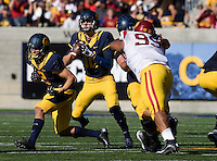Jared Goff of California in action during NCAA football game against USC at Memorial Stadium in Berkeley, California on November 9th, 2013.   USC defeated California, 62-28.