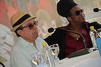 RIO DE JANEIRO, RJ, 17.03.2014 - Sergio Mendes e Carlinhos Brown participam nesta segunda-feira na coletiva de imprensa que apresenta o lançamento do filme de animação Rio 2, no Parque Lage, zona sul da cidade. (Foto. Néstor J. Beremblum / Brazil Photo Press)