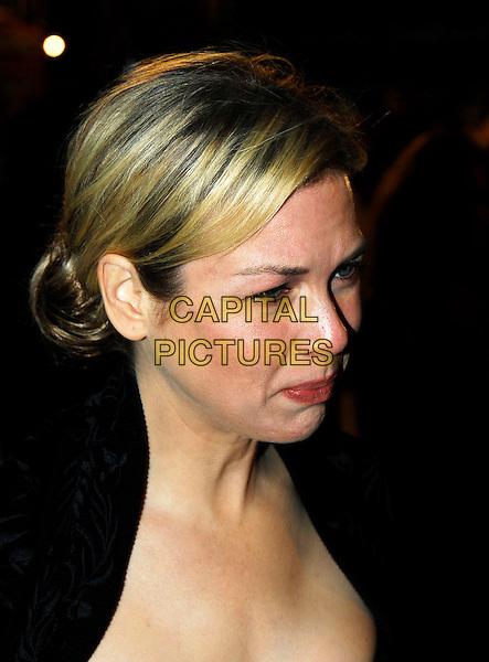 "RENEE ZELLWEGER.Arrivals - ""Miss Potter"" World Film Premiere, .Empire cinema, Leicester Square, London, England, .3rd December 2006..portrait headshot .CAP/IA.©Ian Allis/Capital Pictures"