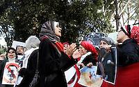 Manifestazione di egiziani contro il loro governo, davanti all'Ambasciata d'Egitto a Roma, 30 gennaio 2011..Egyptians living in Italy protest against their homeland's government, in front of their Embassy in Rome, 30 january 2011..UPDATE IMAGES PRESS/Riccardo De Luca