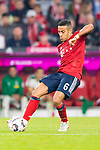 06.10.2018, Allianz Arena, Muenchen, GER, 1.FBL,  FC Bayern Muenchen vs. Borussia Moenchengladbach, DFL regulations prohibit any use of photographs as image sequences and/or quasi-video, im Bild Thiago (FCB #6) <br /> <br />  Foto &copy; nordphoto / Straubmeier