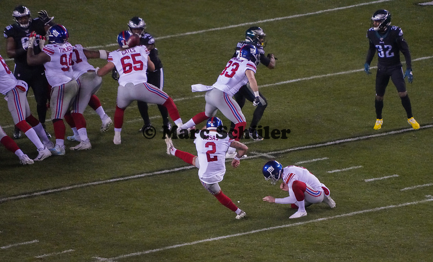 Field Goal kicker Aldrick Rosas (2) of the New York Giants - 09.12.2019: Philadelphia Eagles vs. New York Giants, Monday Night Football, Lincoln Financial Field