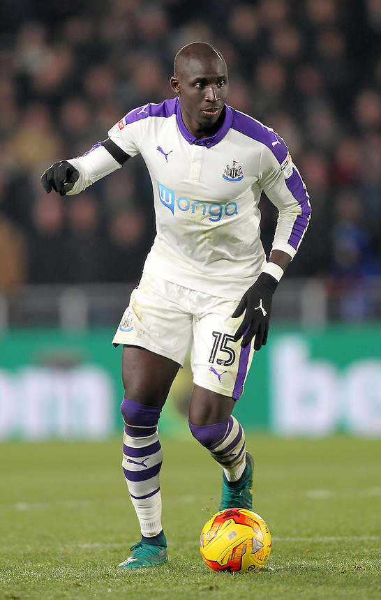 Newcastle United's Mohamed Diame<br /> <br /> Photographer /Mick Walker CameraSport<br /> <br /> The EFL Cup Quarter Final - Hull City v Newcastle United - Tuesday 29th November 2016 - The KCOM Stadium - Hull<br />  <br /> World Copyright &copy; 2016 CameraSport. All rights reserved. 43 Linden Ave. Countesthorpe. Leicester. England. LE8 5PG - Tel: +44 (0) 116 277 4147 - admin@camerasport.com - www.camerasport.com