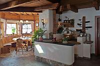 Oesterreich, Salzburger Land, Pongau, bei Obertauern: urige Gemuetlichkeit in der Gnadenalm | Austria, Salzburger Land, Pongau, near Obertauern: Gnadenalm, interior