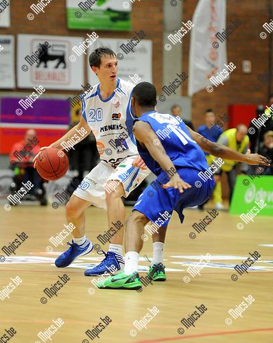 2013-12-08 / Basketbal / seizoen 2013-2014 / Kangoeroes - Pepinster / Stefan Zivanovic (l. Kangoeroes) met Loic Schwartz<br /><br />Foto: Mpics.be