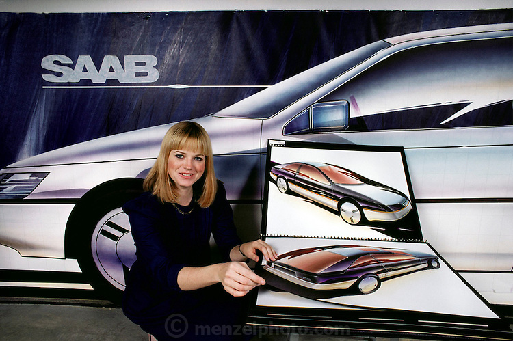 Art Center College of Design, Pasadena, California. Department of Transportation Design. Laura Blossfeld shows her portfolio of auto design in 1983. USA. MODEL RELEASED.