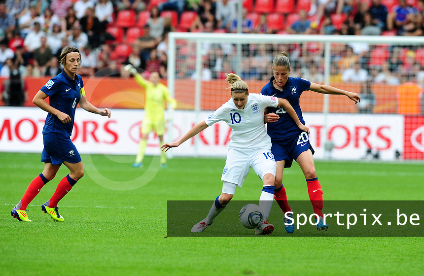 Fifa Women's World Cup Germany 2011 : England - France - at Leverkusen : duel tussen Kelly Smith en Sabrina Viguier.foto DAVID CATRY / Vrouwenteam.be