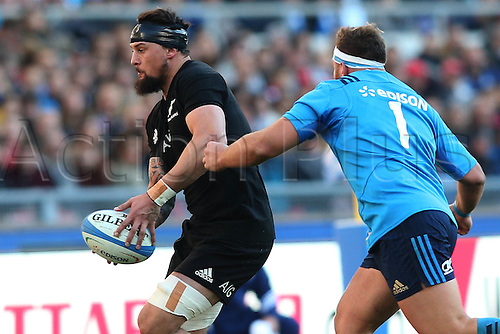 12.11.2016. Stadio Olimpico, Rome, Italy. Test match rugby 2016 Italy versus New Zealand. Elliot Dixon  in action during the match.