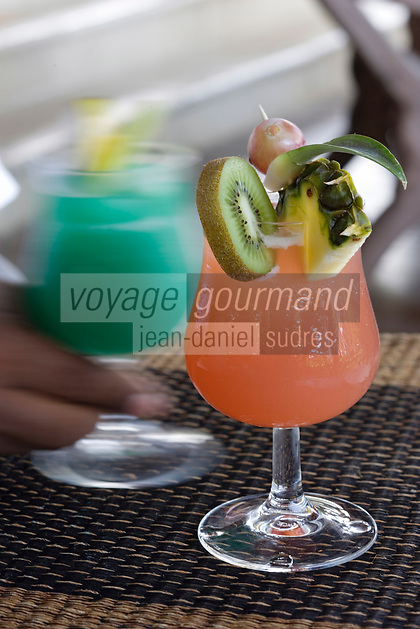 France/DOM/Martinique/Le François : Hôtel Cap Est Lagoon Resort & Spa Cocktails a base de Rhum d'Octave Bonheur au Cohi Bar : Cap Est Sunset et Rève des Antilles