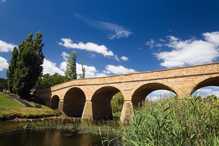 Richmond Bridge - the first stone bridge in Australia, built by convicts in 1823.  Richmond, Tasmania, AUSTRALIA