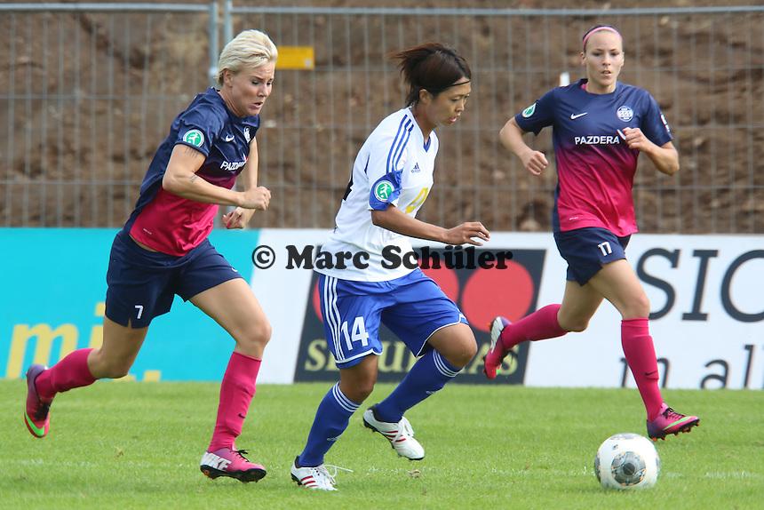 Kouze Ando (FFC) setzt sich durch gegen Sarah Freutel (SGS) - 1. FFC Frankfurt vs. SG Essen-Schönebeck