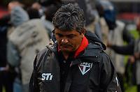 SÃO PAULO, SP, 17 DE MARÇO DE 2013 - CAMPEONATO PAULISTA - SÃO PAULO x OESTE: Ney Franco durante partida São Paulo x Oeste, válida pela 12ª rodada do Campeonato Paulista de 2013, disputada no estádio do Morumbi em São Paulo. FOTO: LEVI BIANCO - BRAZIL PHOTO PRESS.
