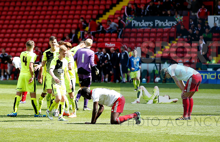 Dejection for Sheffield Utd U21 players during the PDL U21 Final at Bramall Lane Sheffield. Photo credit should read: Simon Bellis/Sportimage