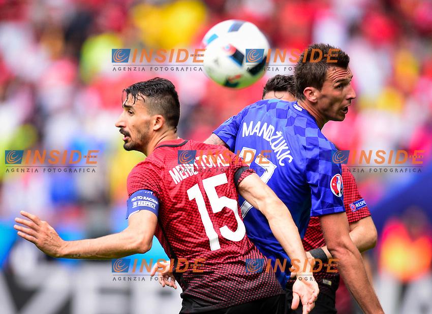 Mehmet Topal ( Turkey ) - Mario Mandzukic ( Croatia ) <br /> Paris 12-06-2016 Parc des Princes Football Euro2016 Turkey - Croatia / Turchia - Croazia Group Stage Group D. Foto Panoramic / Insidefoto