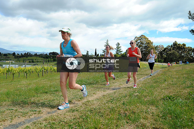 2014 Run Mahana. Woollaston Estates, Nelson, New Zealand. Sunday 30 November 2014. Photo: Chris Symes/www.shuttersport.co.nz