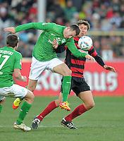 FUSSBALL   1. BUNDESLIGA   SAISON 2011/2012    20. SPIELTAG  05.02.2012 SC Freiburg - SV Werder Bremen Francois Affolter (li, SV Werder Bremen) gegen Stefan Reisinger (SC Freiburg)