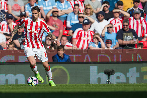 April 8th 2017, bet365 Stadium, Stoke on Trent, Staffordshire, England; EPL Premier League football, Stoke City versus Liverpool; Stoke City's Geoff Cameron on the ball