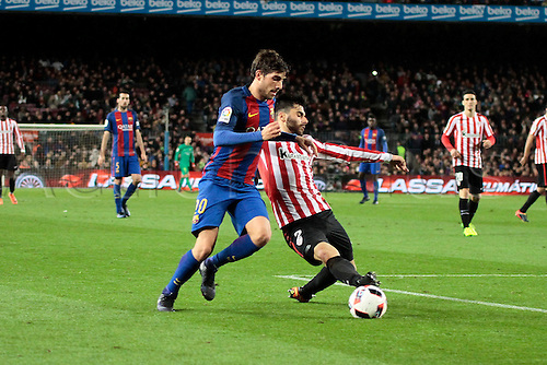 11.01.2017, Nou Camp, Barcelona, Spain. Copa del Rey, 2nd leg. FC. Barcelona versus Athletico Bilbao. Sergi Roberto in action challenged by Boveda bil)