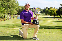 Charlie Smail with the Men's Amateur Trophy. New Zealand Amateur Championship, Wairakei Golf Course and Sanctuary, Taupo, New Zealand, Sunday 4  November 2018. Photo: Simon Watts/www.bwmedia.co.nz