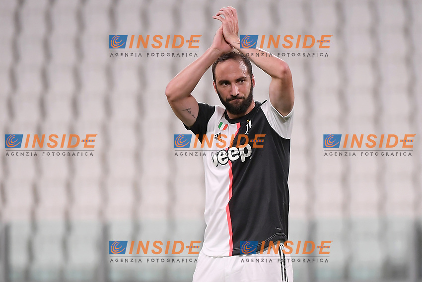 Gonzalo Higuain of Juventus claps during the Serie A football match between Juventus FC and UC Sampdoria at Juventus stadium in Turin (Italy), July 26th, 2020. Play resumes behind closed doors following the outbreak of the coronavirus disease. <br /> Photo Federico Tardito / Insidefoto